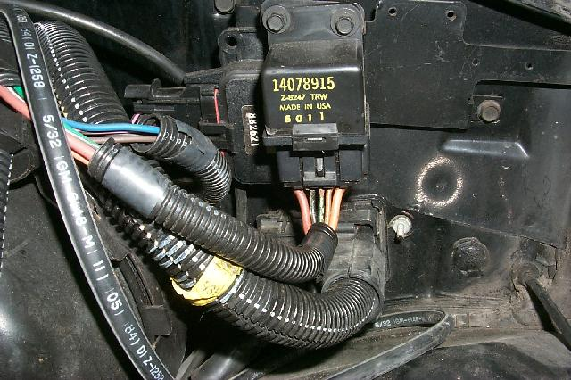 1985 Stock Fuelpump Relay On Drivers Side Engine Bay Firewall: 1996 Camaro Fuel Pump Wiring Diagram At Gundyle.co